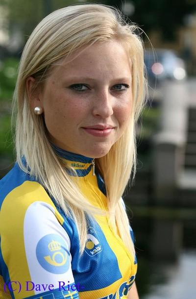 Sara Olsson by Dave Rietbergen